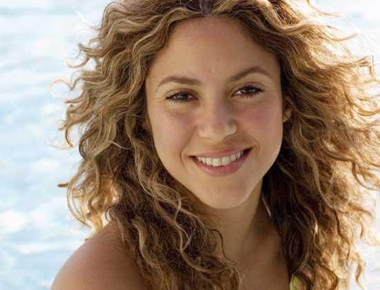 Shakira Curly Beach Hairstyle