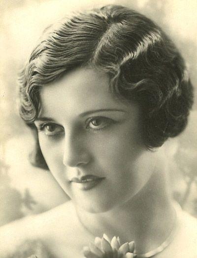 1920s Finger waves hair