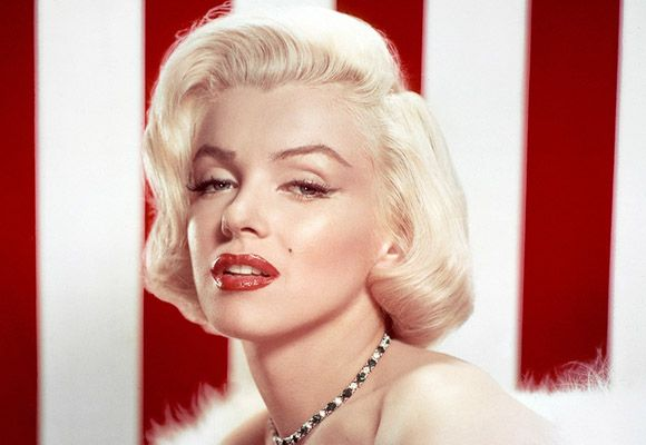 Marilyn Monroe Side Parted Hairstyle