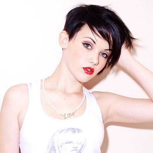 chic pixie side swept bangs