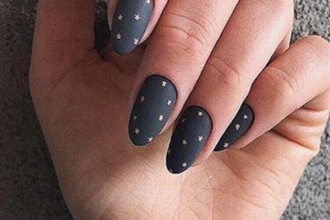 Super Cute & Pretty Nail Ideas To Try In 2018