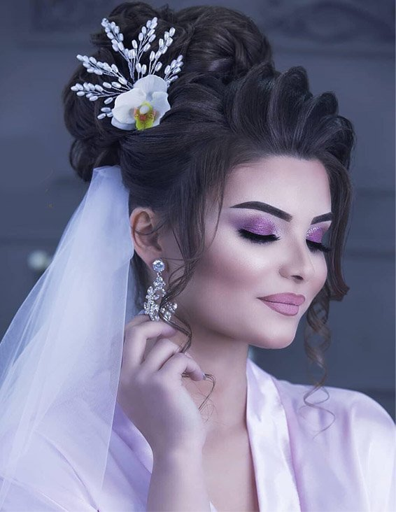 Gorgeous Makeup Ideas for Bridal Girls In 2019