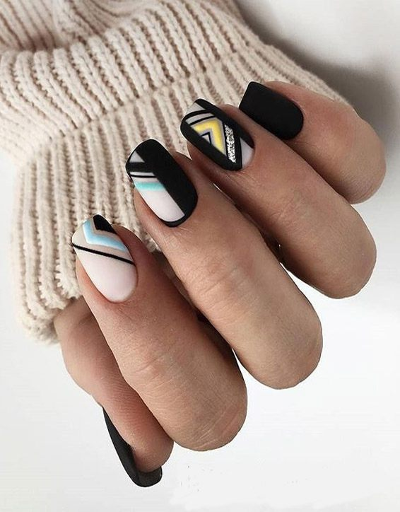 Delightful Black Nails Trend for Your Finger