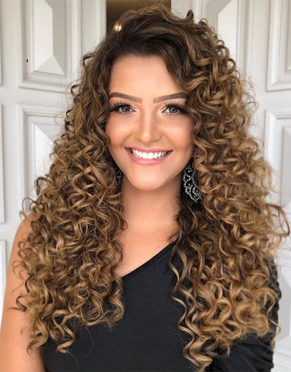 Lovely Curly Hairstyles for Superior Ladies In 2019