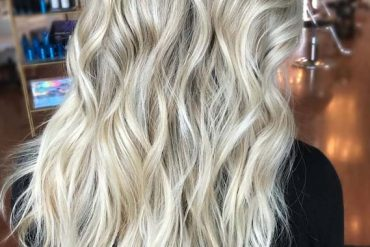 Pretty Blonde Waves for Summer in 2019