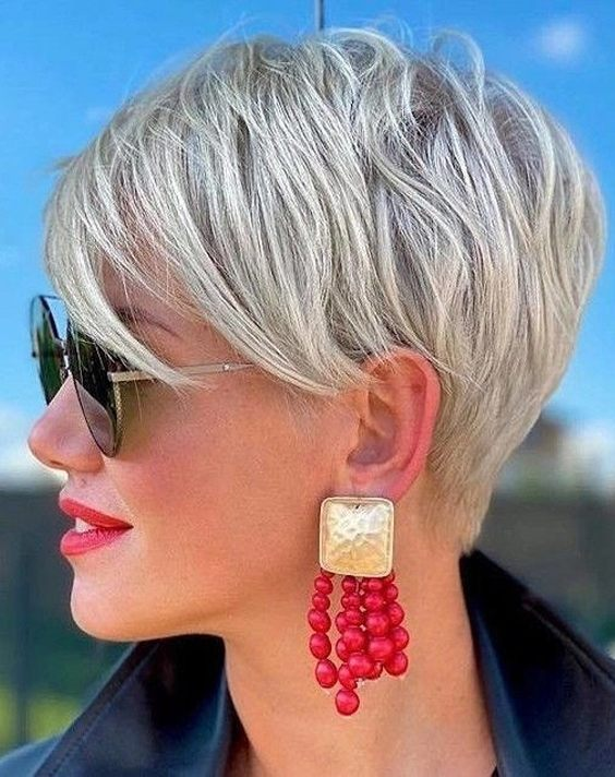 Gorgeous Short Haircut & Hair Colors In 2021